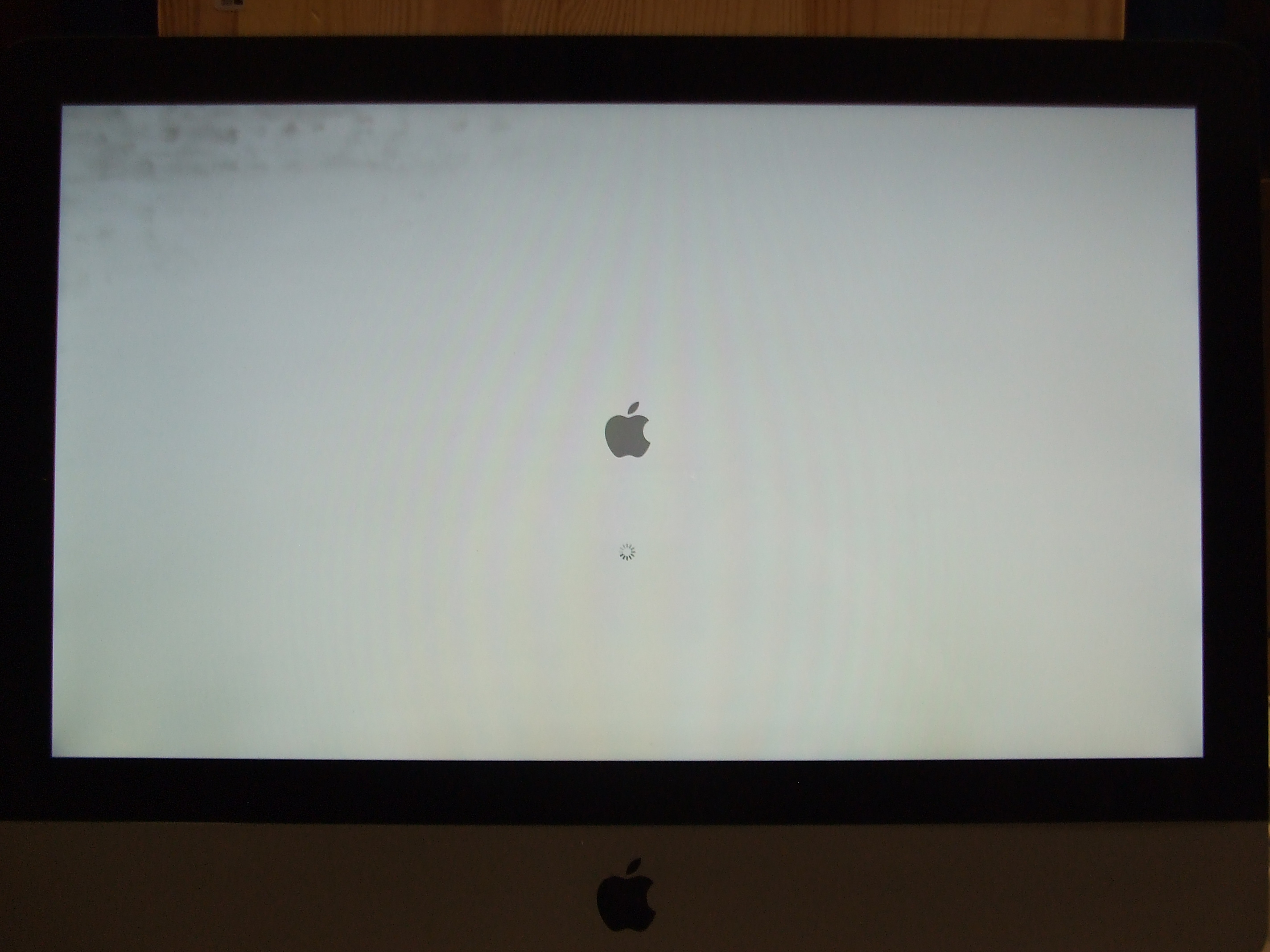 "iMac 21.5"" LCD Panel, LED-Backlit (10)"